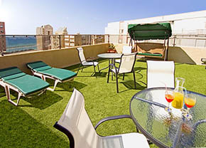 Mitzpe yam hotel netanya for Balcony sunbathing